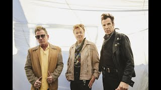 The Stray Cats new album '40' is now available everywhere! http://s...