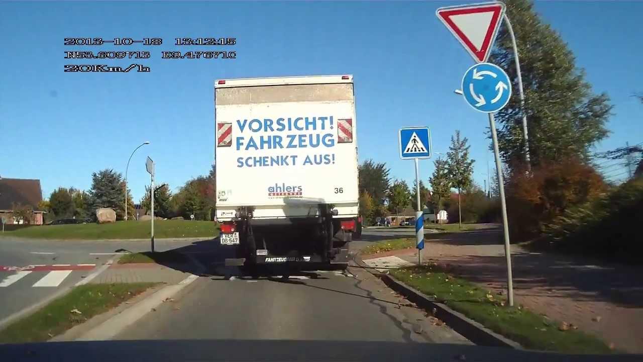 Vorsicht! Fahrzeug schenkt aus! - YouTube