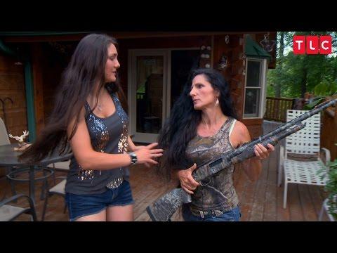 Gypsy Mom Pulls Shotgun on Boyfriend