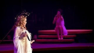 Kylie Minogue - Everything Is Beautiful (Aphrodite Les Folies Tour)