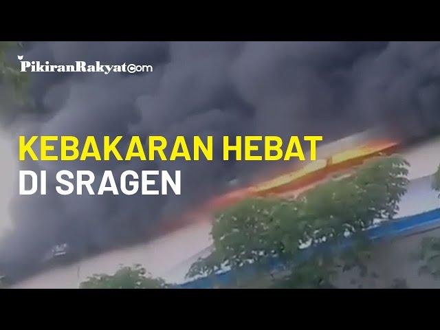 Kebakaran Hebat Landa Sebuah Pabrik Sepatu di Sragen, Jawa Tengah, Sabtu 24 Oktober 2020