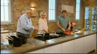 James Martin cooks Chateaubriand with béarnaise sauce and fries for Jennifer Ellison 22/09/2012
