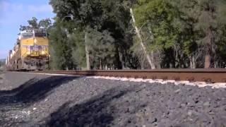 Видео   iPhone 5S против поезда   Видеоролики на Sibnet