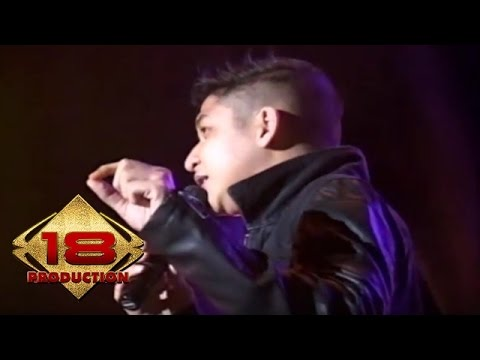 Ungu - Aku Bukan Pilihan Hatimu (Live Konser Palembang 2014)