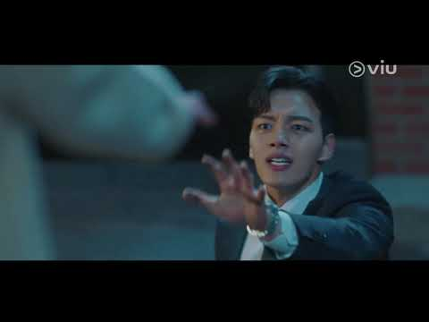 yeo-jin-goo-chased-by-a-ghost-|-hotel-del-luna-호텔-델루나-ep-1-[eng-subs]