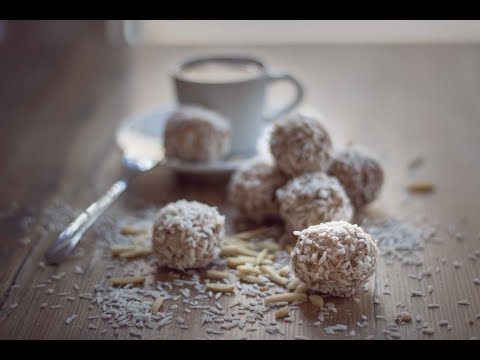 Coconut Almond Balls - Vegan and Gluten-free Snack
