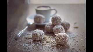 Coconut Almond Balls - Vegan and Gluten-free Snack