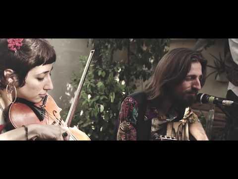 Alpargata & Ombligo - El Chotis