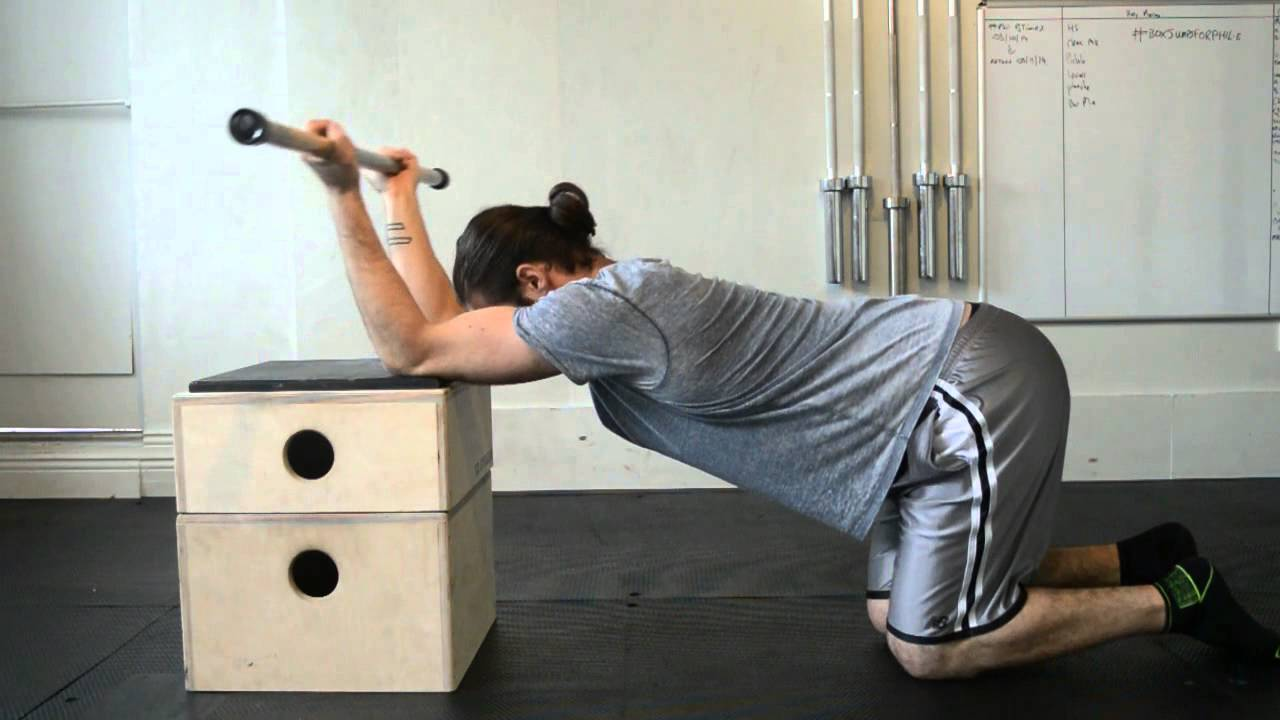 Advanced Frog Stand momentum training - gymnastics: handstand phase 1