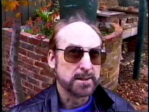 "Ghanesh interviews ""Free-Range Intellectual"" Damien Broderick"