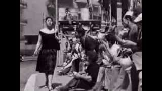 """L'amore in città - """"Gli italiani si voltano"""", di Alberto Lattuada - Clip"""