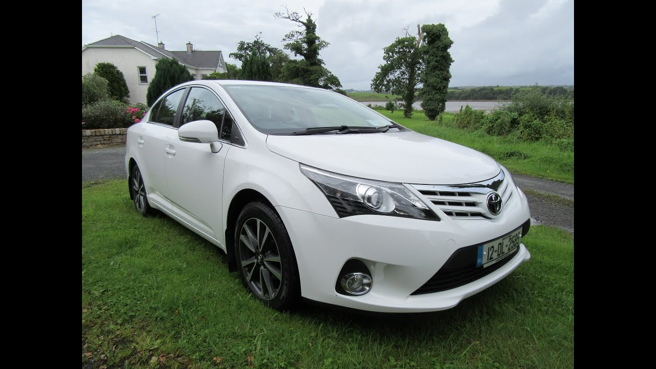 review and test drive 2012 toyota avensis tr youtube. Black Bedroom Furniture Sets. Home Design Ideas