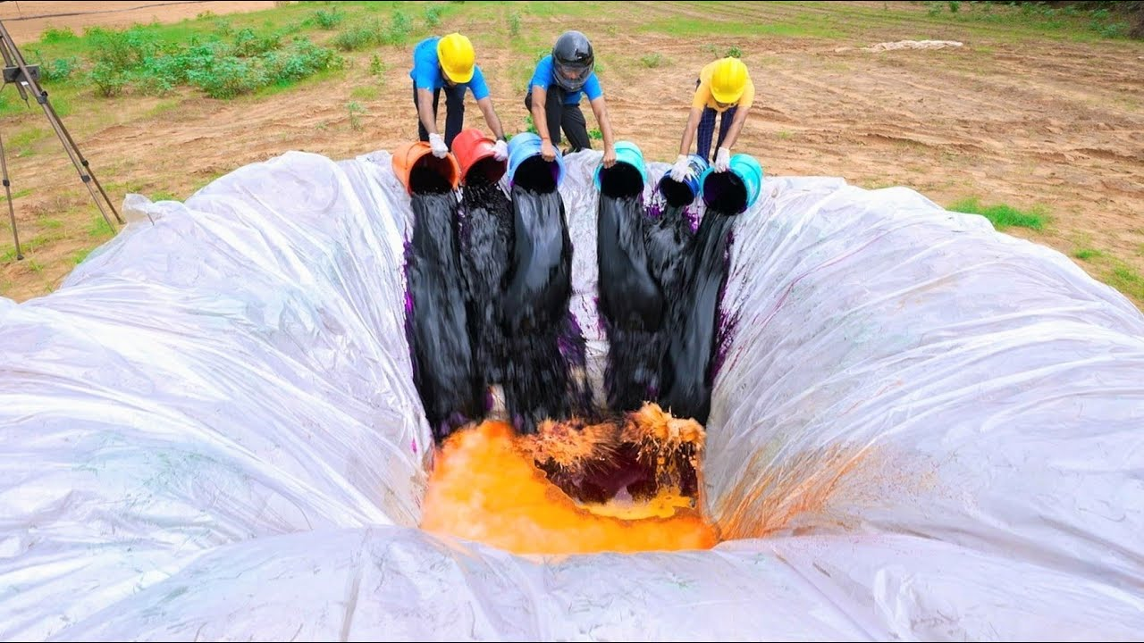 Download World's Largest Elephant Toothpaste in Pool | अब होगा असली धमाल | World Record !