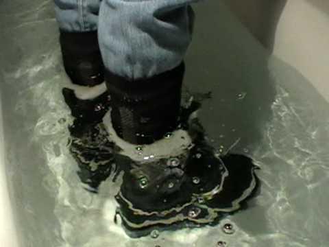 SOREL Caribou waterproof shoes - great fun - I