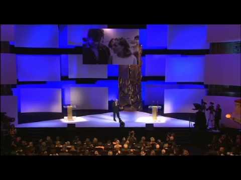 César 2008  Hommage à Romy Schneider, par Alain Delon.