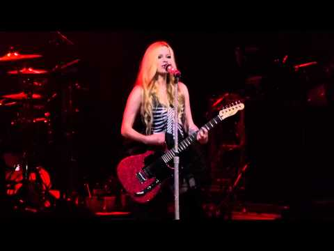 """Don't Tell Me"" Avril Lavigne@Borgata Event Center Atlantic City 6/27/14"