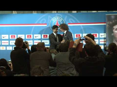 PSG apresenta David Luiz