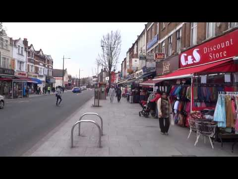 "Walking on London's ""Little India Streets"" from The Broadway & then onto South Road, Southall."