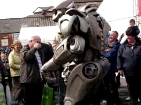 singing,walking and talking real controled robot