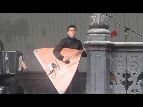 Квинтет четырех  Юрий Долгов - флейта,Андрей Долгов - балалайка-контрабас