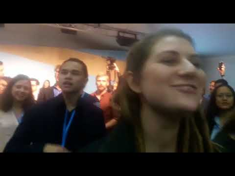 Climate activists disrupting US government side-event by song - Below2C