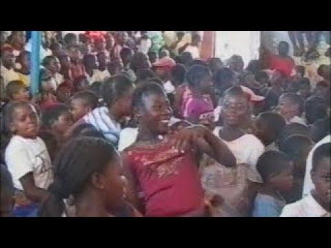The Childrens Radio, Radio Infantil – Mozambique 2004 (Eng)