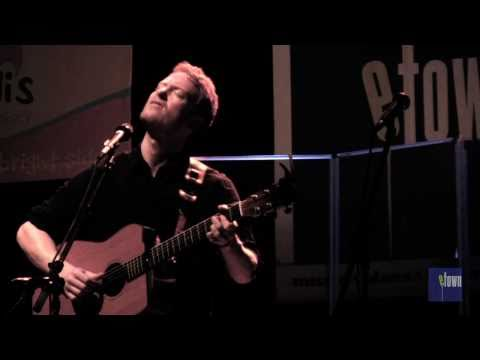 Клип Teddy Thompson - Over and Over