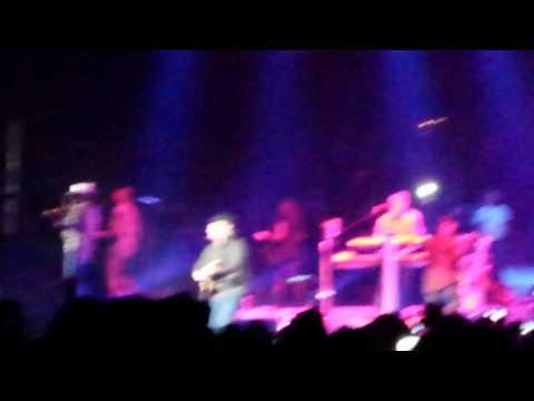 Garth Brooks with Trisha Yearwood World Tour Chicago 04 The Beaches of Cheyenne