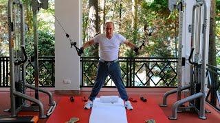 Putin Pumps Iron as Russian Economy Weakens