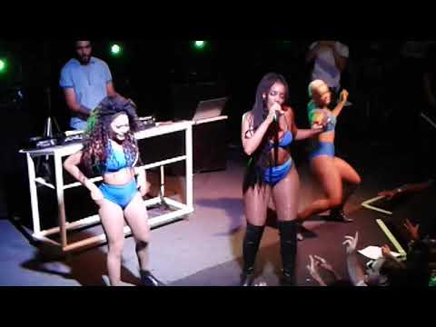 IZA - ao vivo na E-DUB Show Completo
