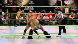FCW 10-23-2011 FCW Divas Tag Match ( Naomi Knight & Cameron Lynn vs Kaitlyn & Caylee Turner )