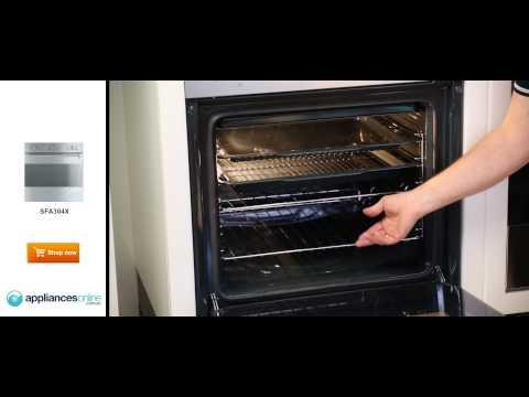 An expert examines the SMEG SFA304X wall oven - Appliances Online