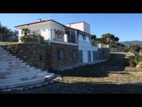 Rent a house in Liguria on the shore