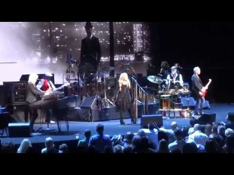 """Gypsy"" Fleetwood Mac@Wells Fargo Center Philadelphia 10/15/14"