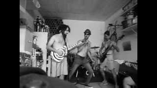 ELEVEN-B -ensaio na garagem