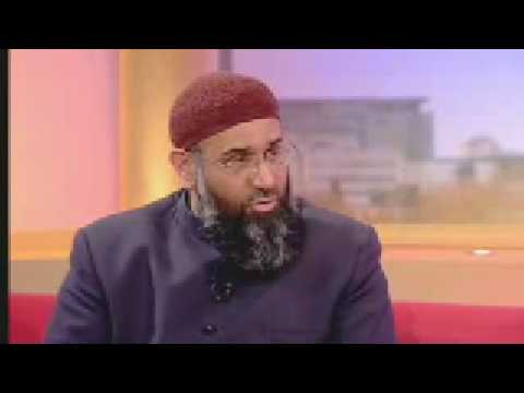 Crazy Muslim Cleric Anjem Choudary chants his shit on GMTV and ends up looking a tit