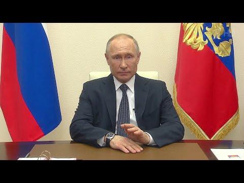 Владимир Путин продлил до 30 апреля защитные меры в связи с эпидемией коронавируса.