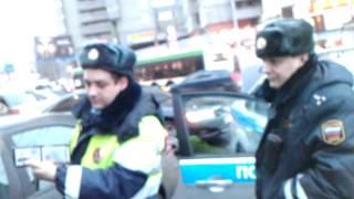 Таксист ставит на место ГИБДД СЗАО(, 2012-03-06T22:10:19.000Z)