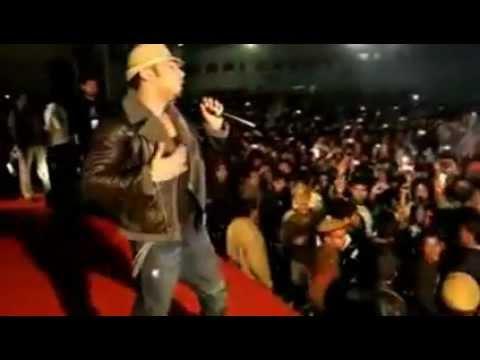 Download Brown Rang - Honey Singh (Live Performence).flv