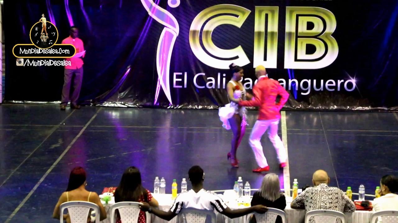 Mayerlin Martinez y Jhonny Casanova