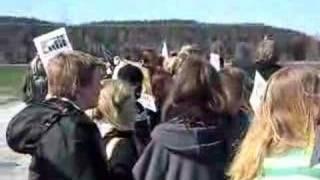 Demo mot Løken Gård i Norge