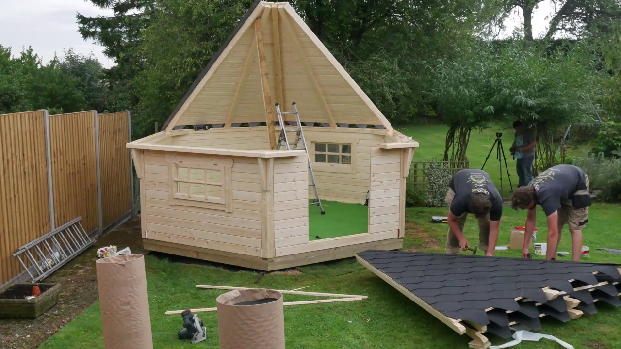 BBQ Hut Timelapse Build - YouTube