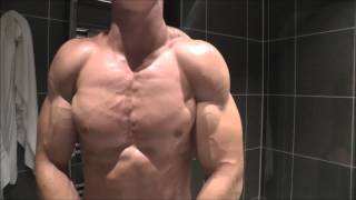 Shredded Bodybuilder Zach Sauna Flex and International Arm Wrestle