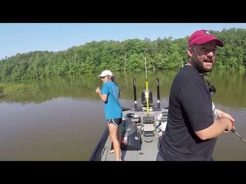 I Surprise A Fan And Take Her Fishing - Flukemaster Drops In
