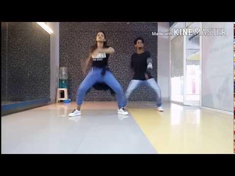 Ek Uncha Lamba Kad Performance By Amit and Priyanka