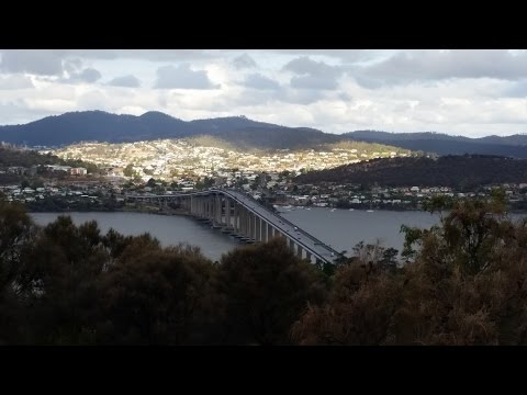 Driving through Hobart, Tasmania (HD)