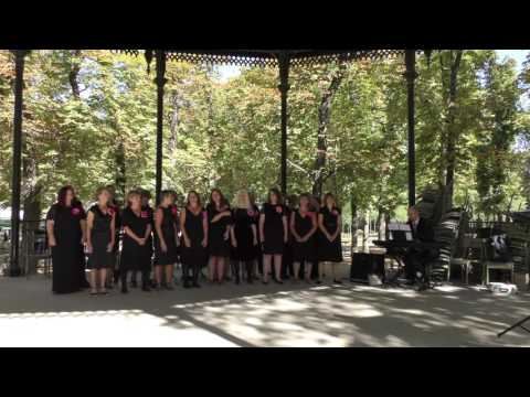 The Pewsey Belles at Jardin de Luxembourg