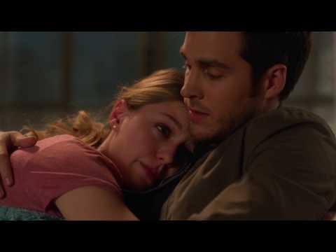 Supergirl 2x14 - Mon-El comfort Kara scene (HD)