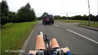 Impatient to overtake a cyclist M155JDY