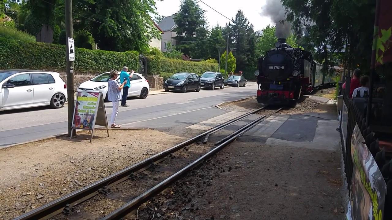 Die Lößnitztalbahn an der Lößnitztalschänke - YouTube